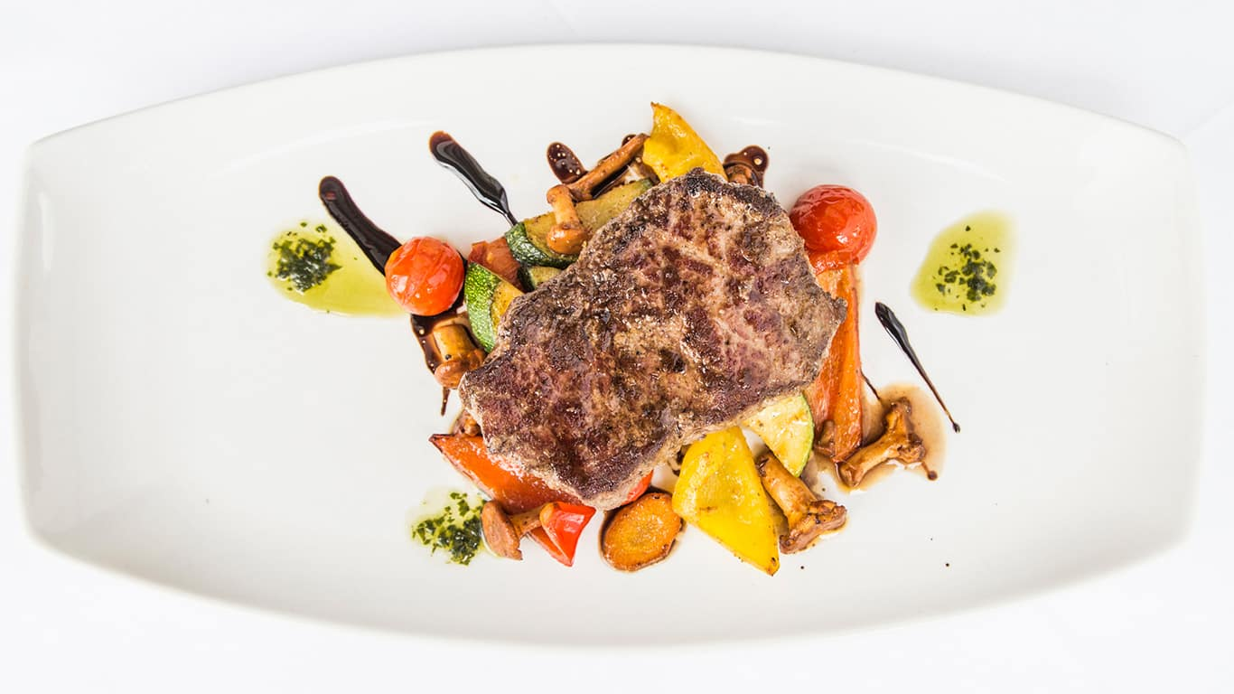 Steak vom Beiried mit Grillgemüse