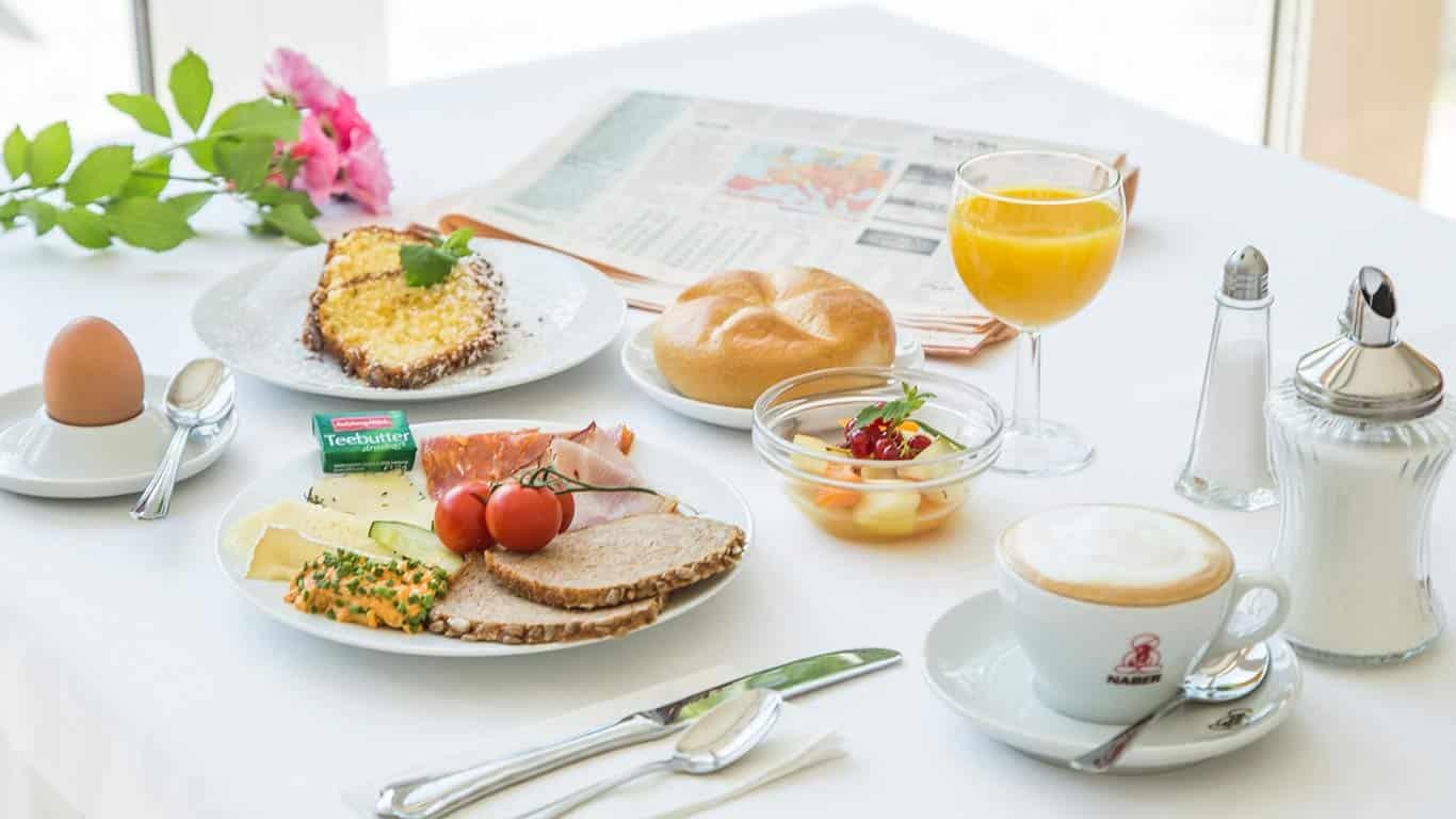 Frühstück im Hotel Vötterl